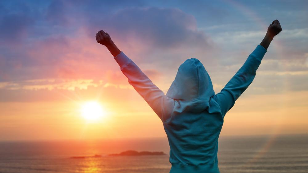 sunrise arms up