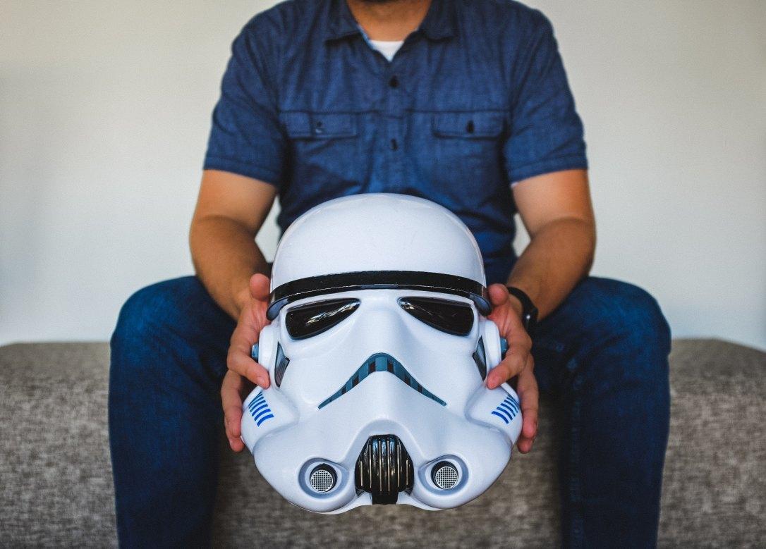 neonbrand-298927 man holding helmet